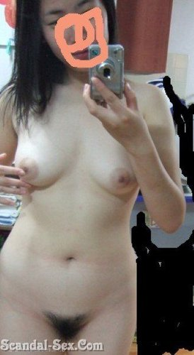 Cute Korean Camwhore Bare All In Her Room